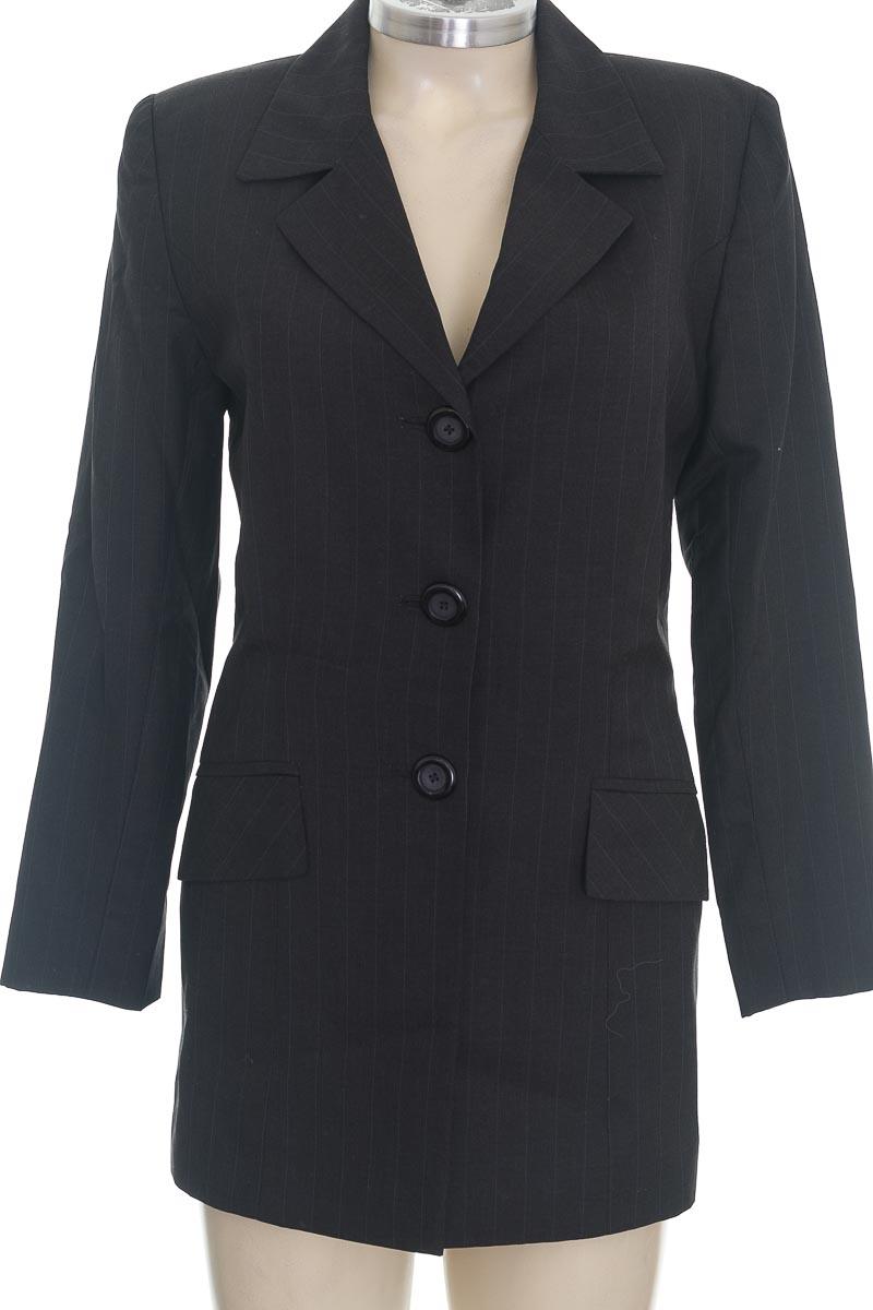 Chaqueta / Abrigo color Negro - Closeando