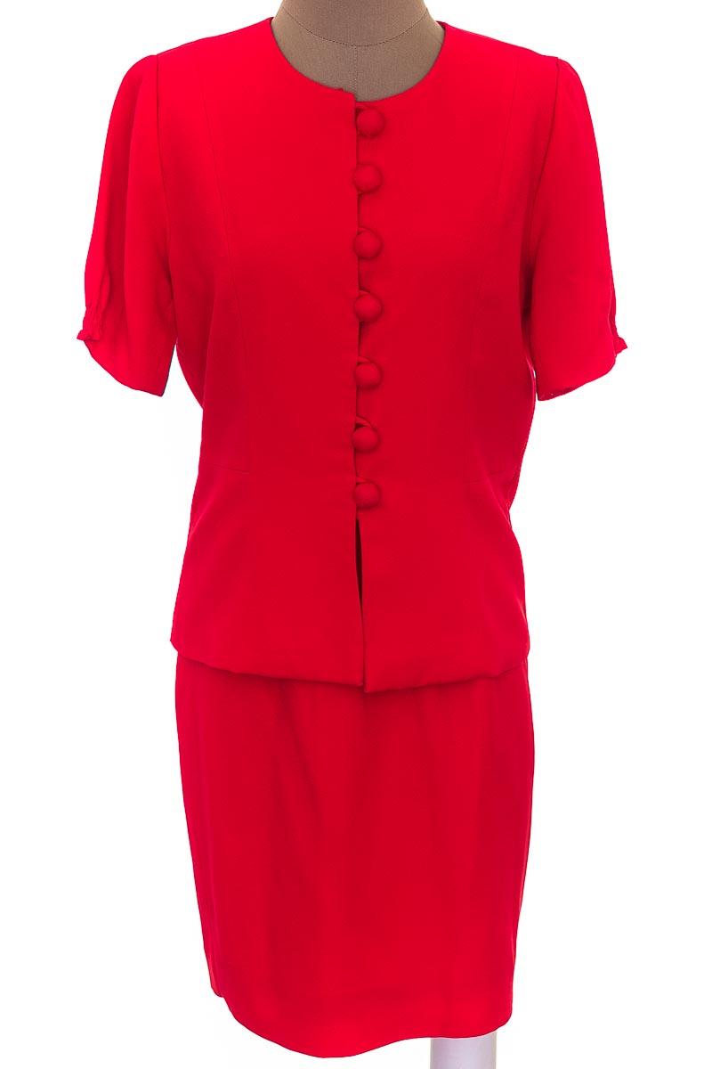 Conjunto Conjunto de Falda color Rojo - Closeando