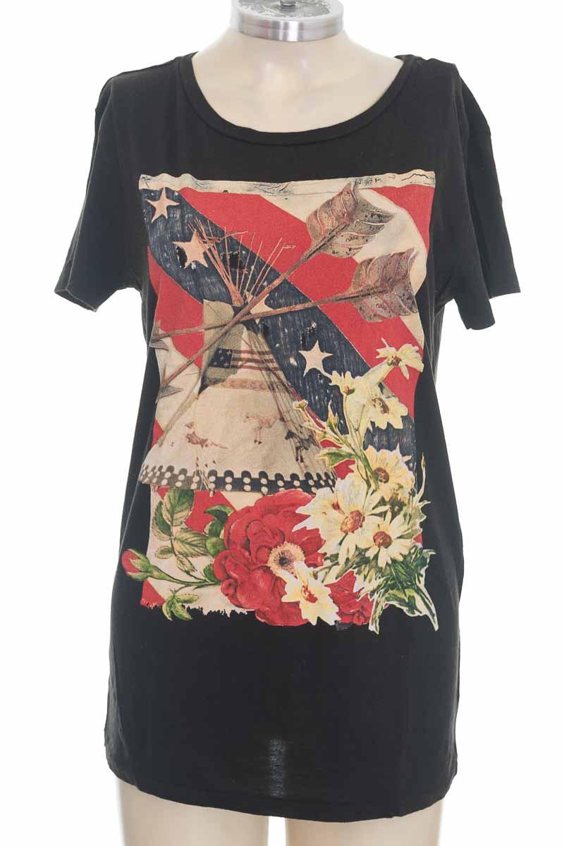 Top / Camiseta color Negro - Denim