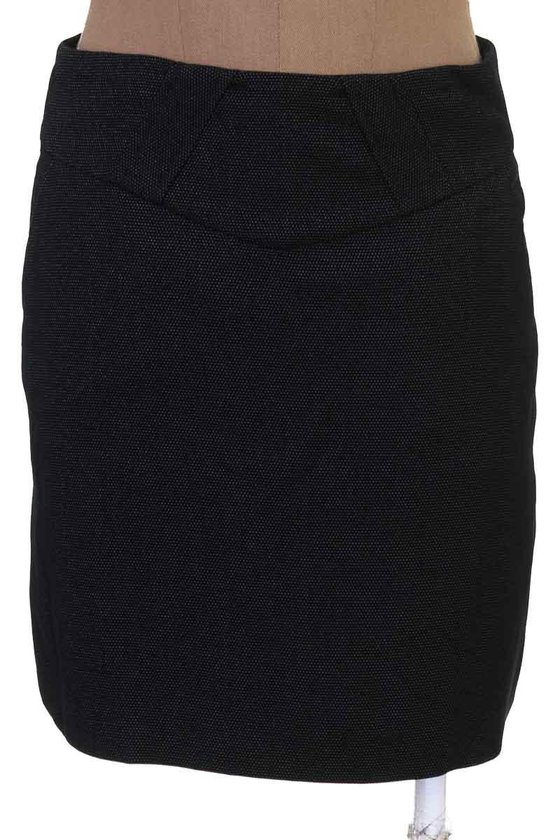 Falda Elegante color Negro - Sisley