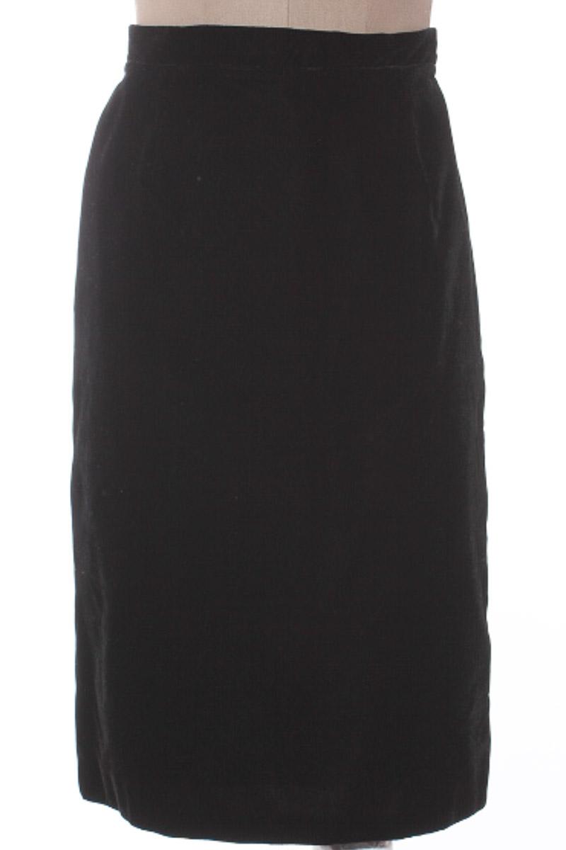 Falda Elegante color Negro - Casa Magaly