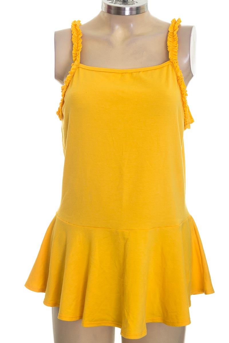 Top / Camiseta color Amarillo - Carmel