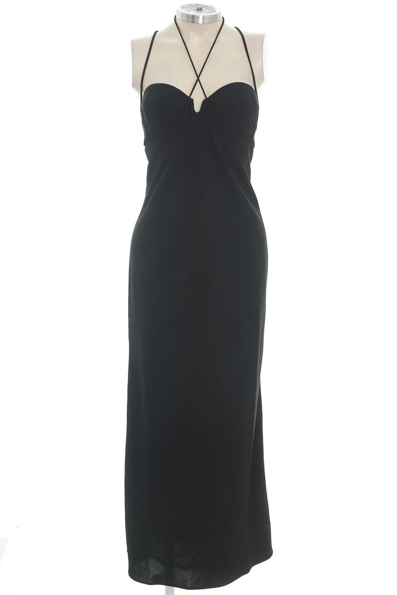 Vestido / Enterizo color Negro - Closeando