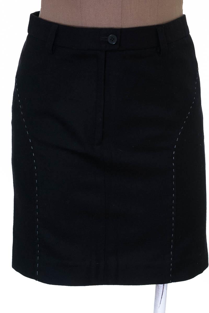 Falda Elegante color Negro - Carmona