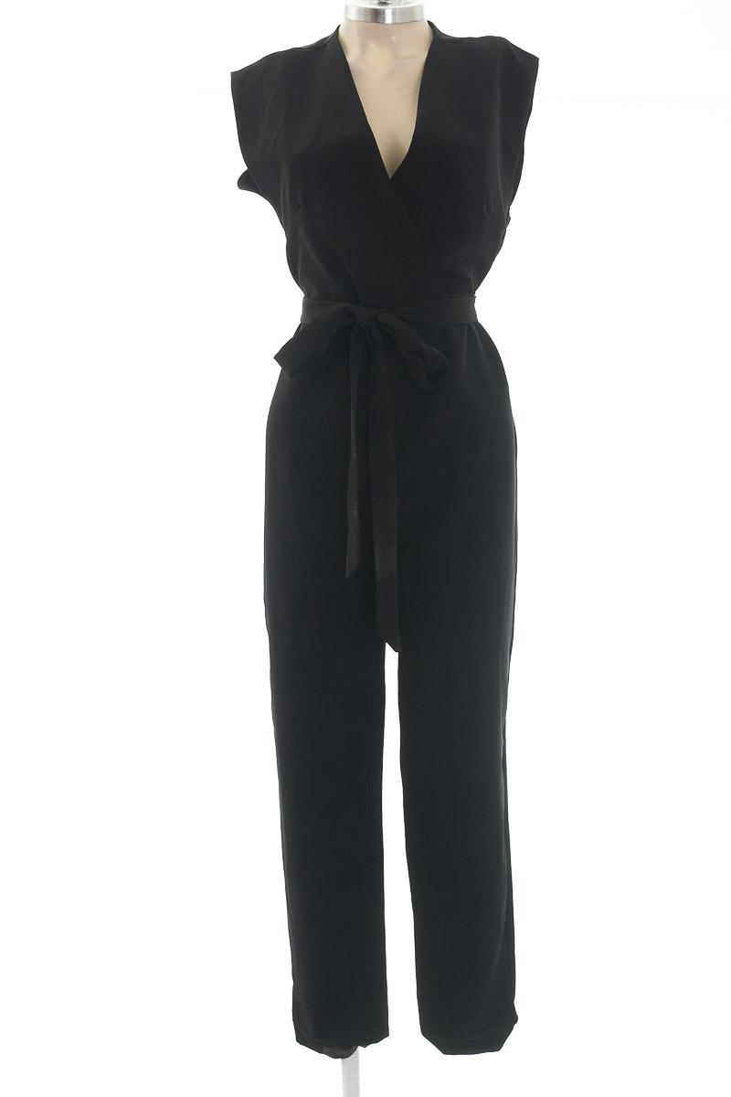 Vestido / Enterizo color Negro - Stradivarius
