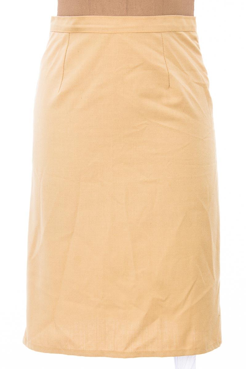 Falda Elegante color Beige - DESIGN