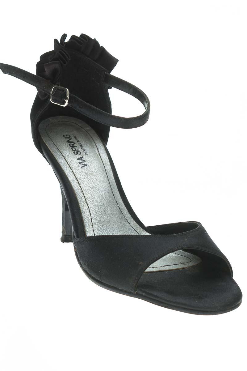 Zapatos Sandalia color Negro - Vía Spring