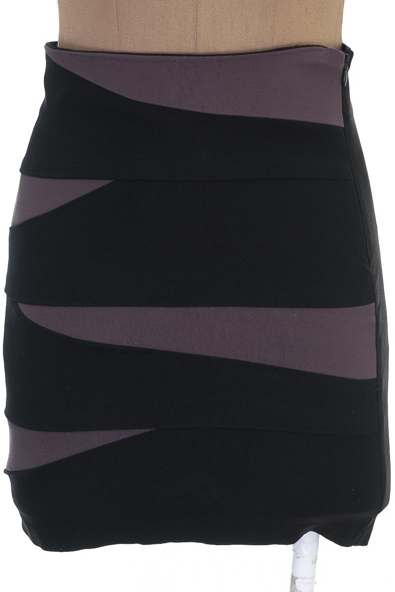 Falda Elegante color Negro - Leyvas
